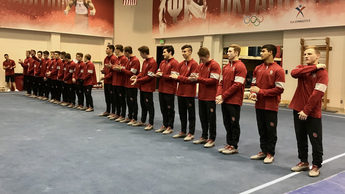 Here we go!   Still time to get to the gym, #Sooners!<br>http://pic.twitter.com/LUPuD6VJd2