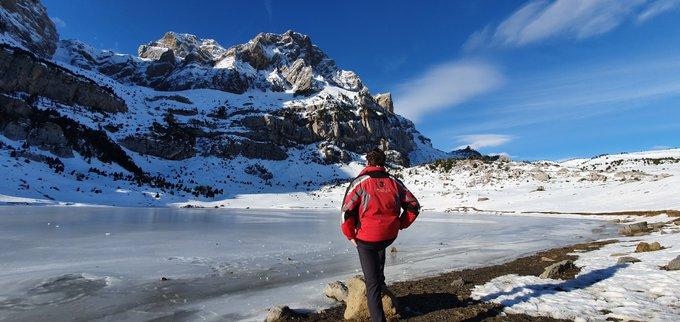 #ibondepiedrafita #valledetena #pirineos esta mañana