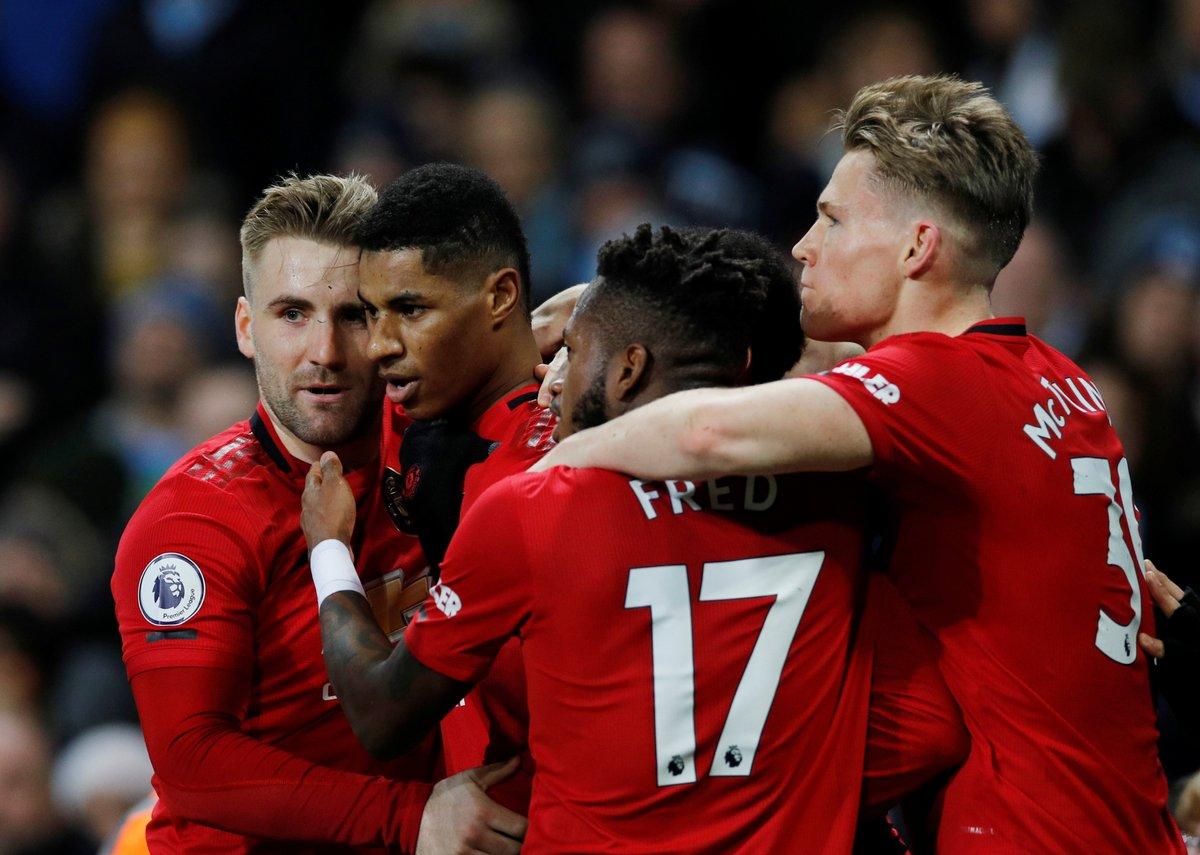 Premier Leaguede Manchester United, deplasmanda Manchester Cityi 2-1 mağlup etti.
