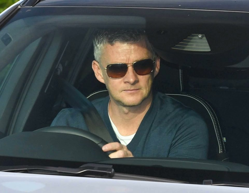 Jose Mourinho and Pep Guardiola being outclassed in the span of 3 days by this Norwegian don:  My Manager. #MUFC #MCIMU <br>http://pic.twitter.com/Fg8EH4ufRo