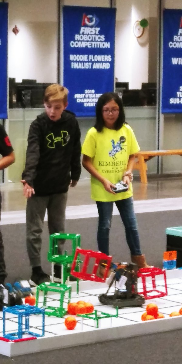 Team C scored 173 points in skills, currently tied for 5th place...in the WORLD !!! Teamwork all the way <br>http://pic.twitter.com/ZLWqj0IzNG