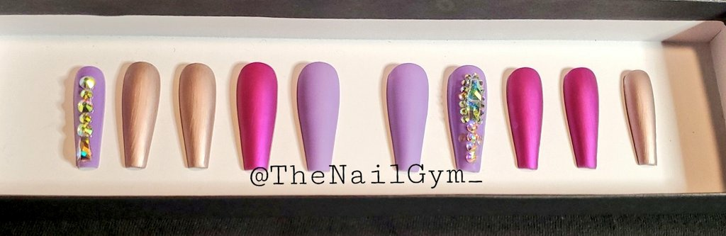 Afternoon Twitterrrrr.  Check out this set! #TheNailGym Strikes again<br>http://pic.twitter.com/ATcytai8jI