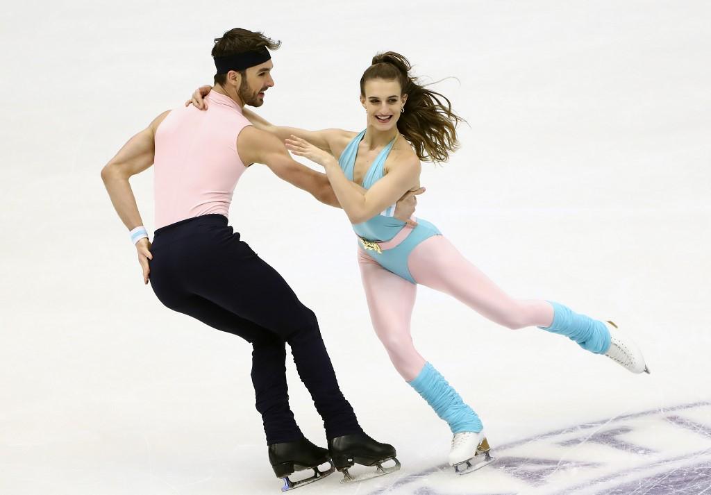 Gabriella Papadakis et Guillaume Cizeron de nouveau titrés !  http:// dlvr.it/RKs2DP    <br>http://pic.twitter.com/kKQMsu2xvX