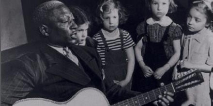 When you read about the life and times of Leadbelly, the one thing that stands out, beyond his uncanny ability to sing is way out of prison, is how much he enjoyed playing for children more than any other audience. #folkmusic #SaturdayMood <br>http://pic.twitter.com/Cq4BBGQLdB