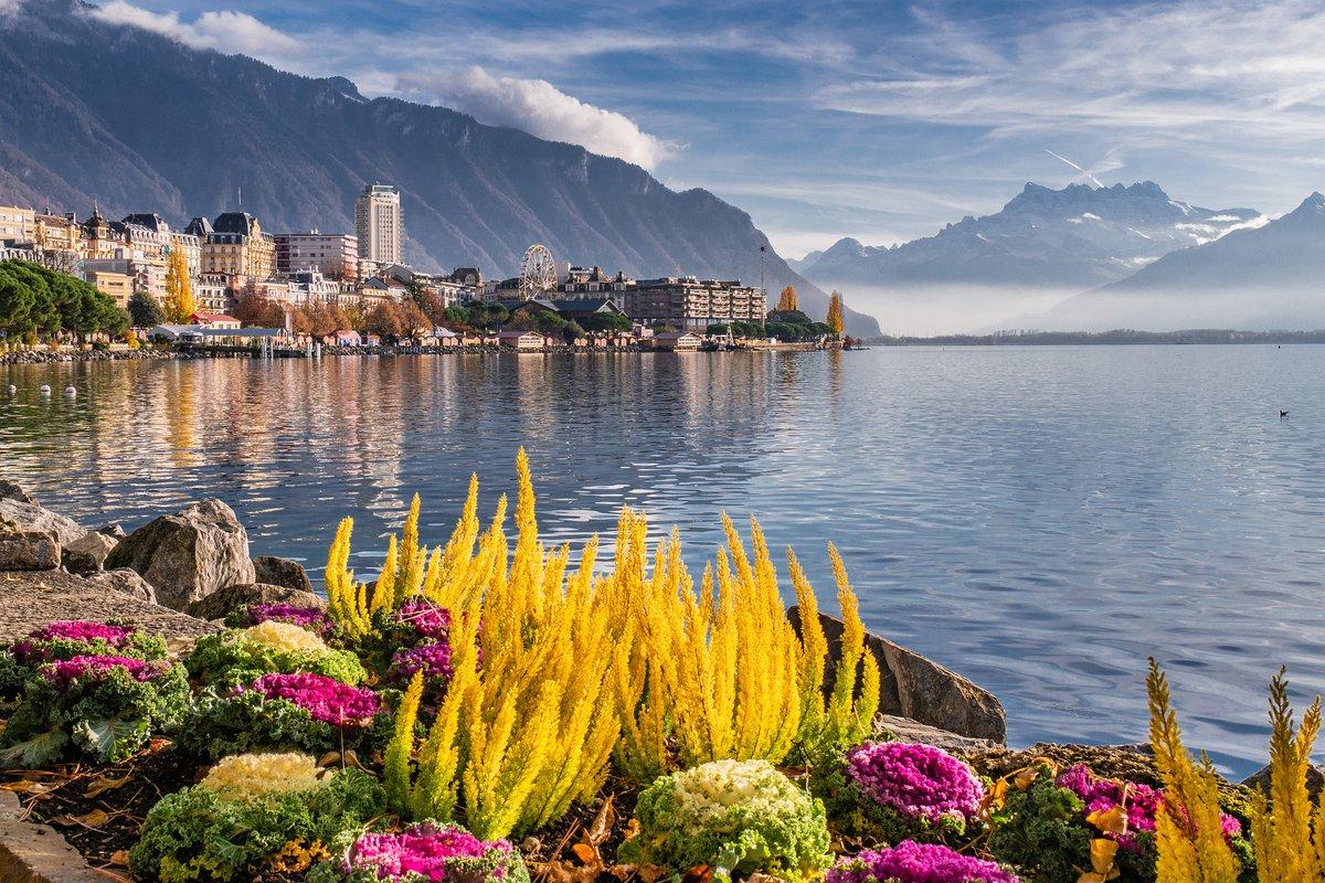 Montreux Lake Mountains Landscape Switzerland <br>http://pic.twitter.com/MTx1TVK9ko