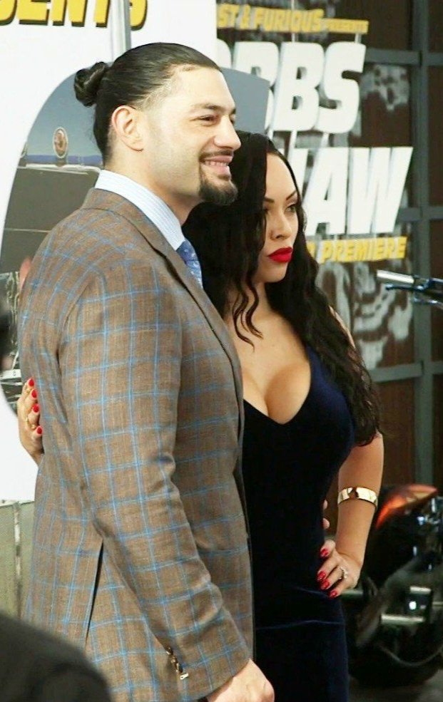 I wish this same kind of happy for everyone ❤️God Always bless them 🙏🏻@WWERomanReigns  #GalinaAnoai Happy Anniversary to you and your beautiful wife ❤️