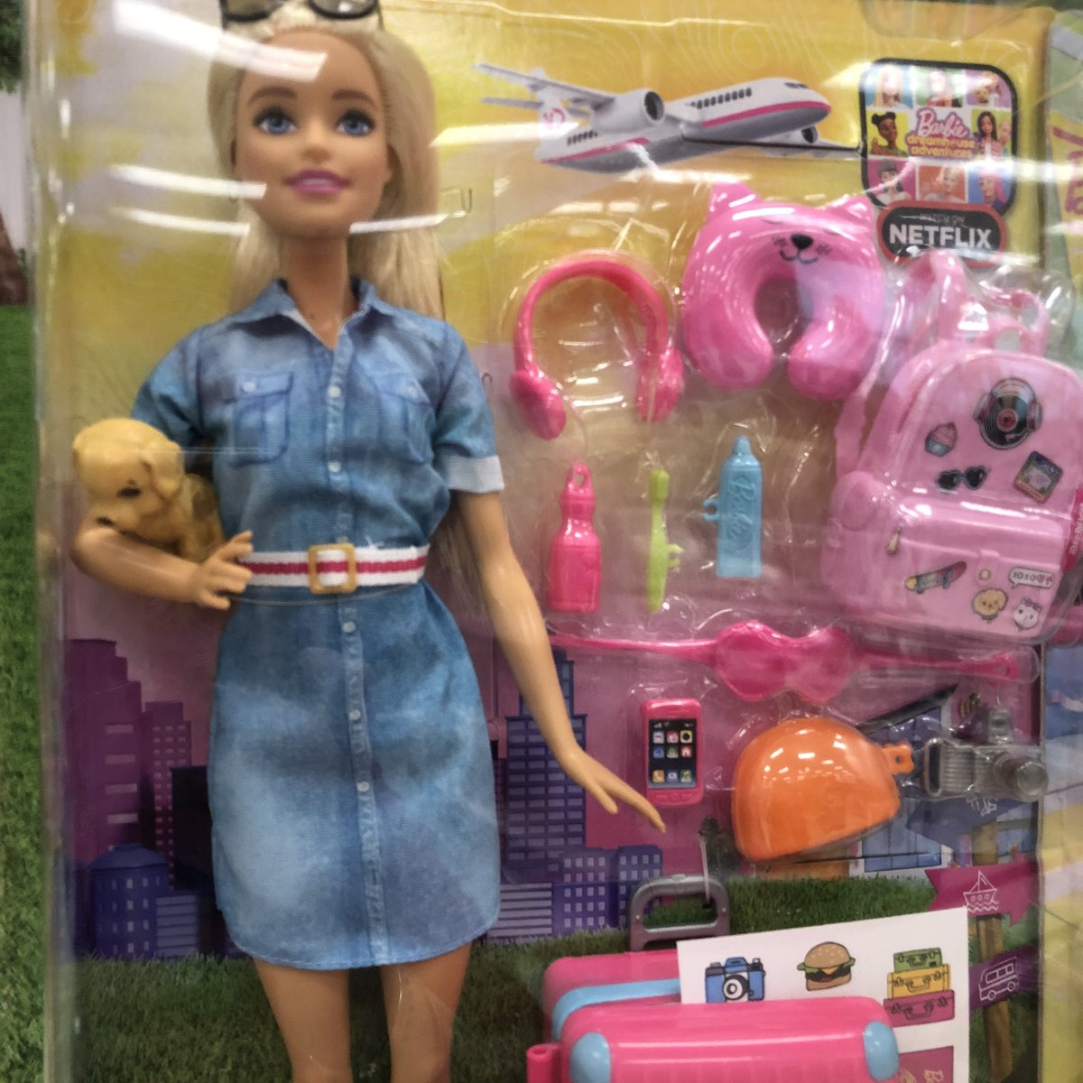Travel Barbie and her #emotionalsupportanimal ? #visibility ? #disabilityawareness ? I wish it came with educational material/messaging #ESA #barbie #disability