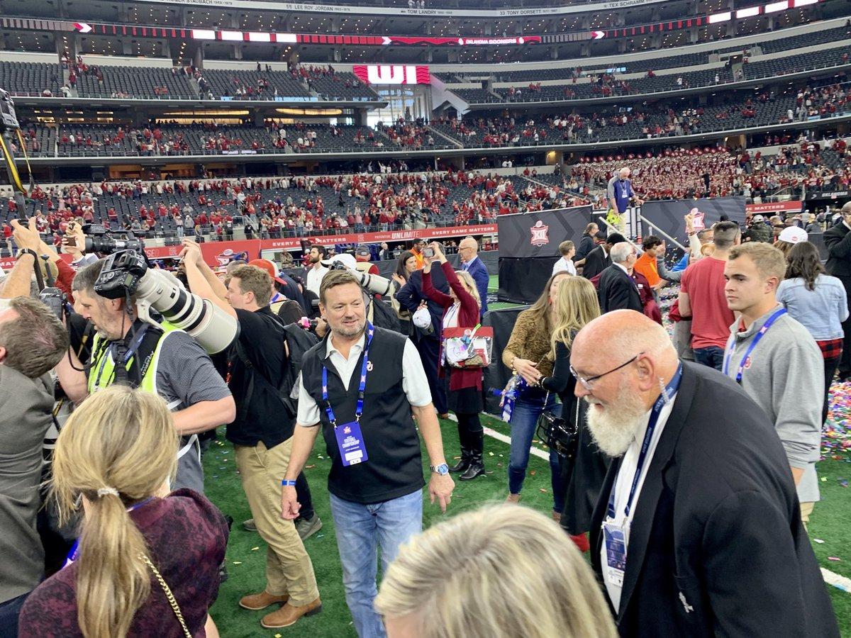 Photo: Bob Stoops Celebrates Oklahoma's Big 12 Championship