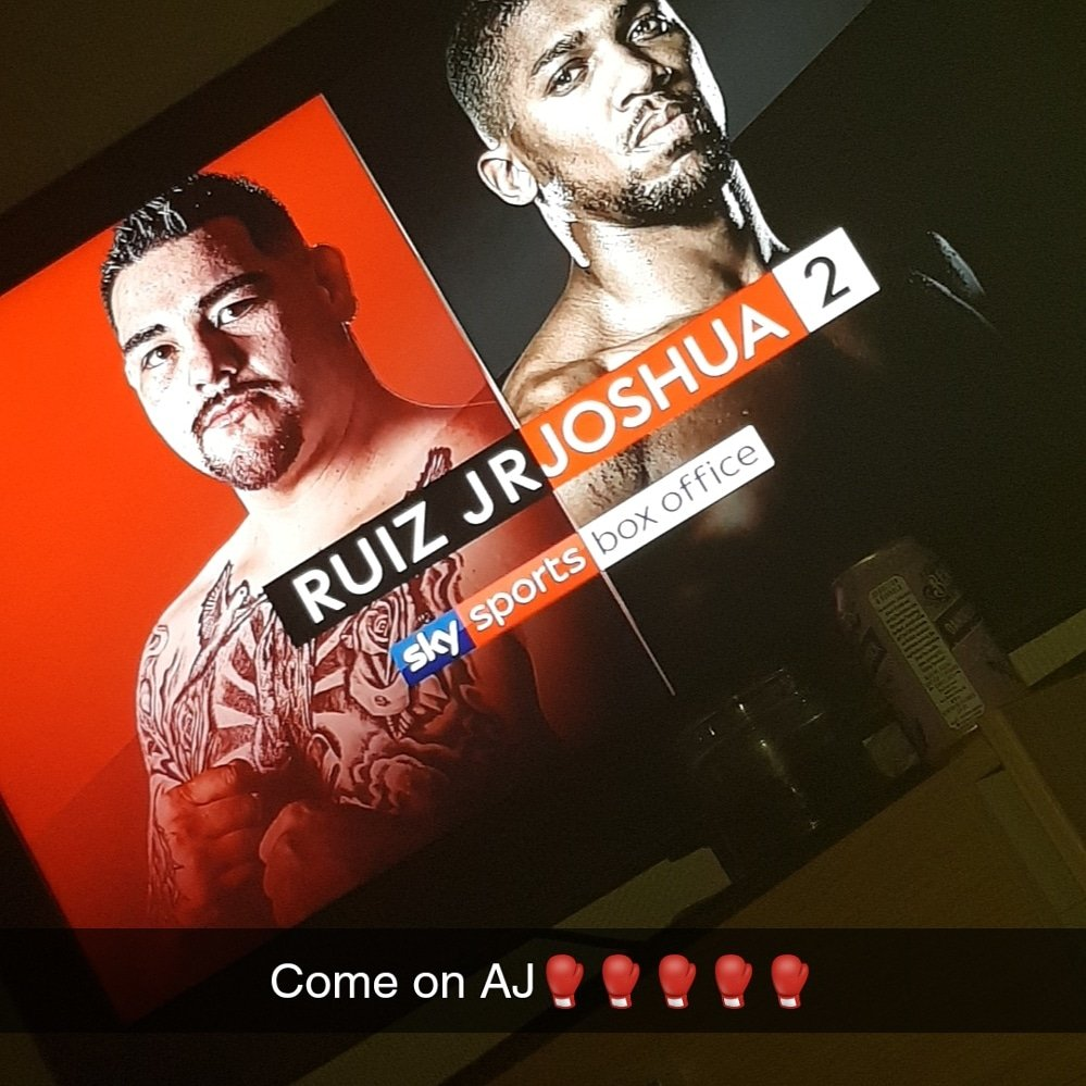 #JoshuaRuiz2 Ding Ding Round 1 @anthonyfjoshua good luck to both fighters it's sport not war #boxing #boxinglife #nevergiveup #Watchinglivesport deff counts as a #relaxationchoice for #20isplenty #revenge