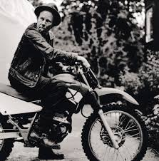 Happy birthday to one of my favourite artists.. Actor, musician, poet and all round cool cunt Tom Waits.