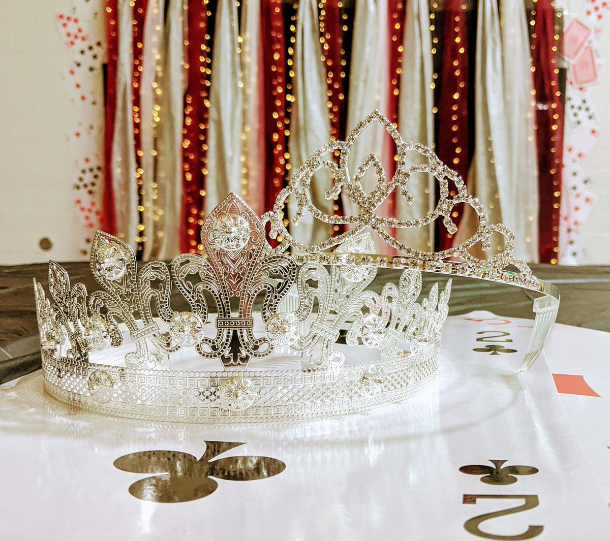 Who will be lucky enough to represent for Hollyball Royalty? #HB2019 #aliceinwonderland #kingandqueen https://t.co/1ZbZg7SklD