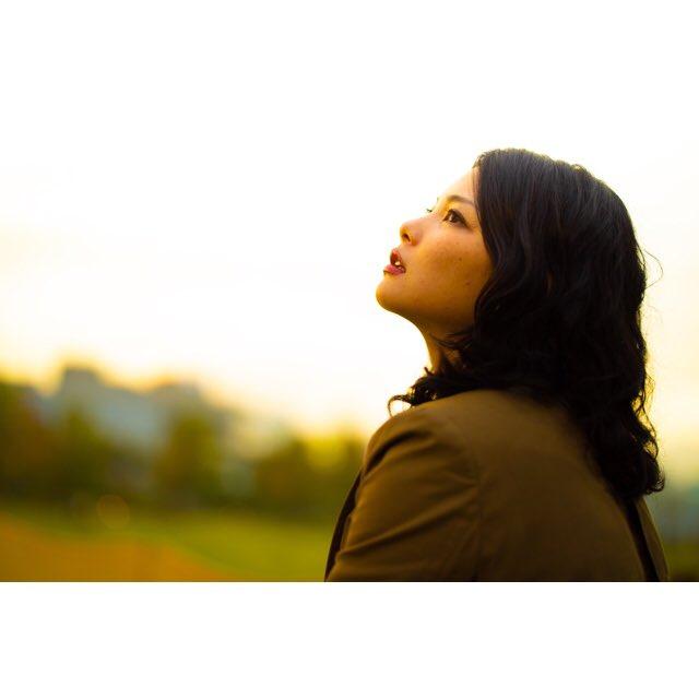 model @ardente0711   sunsetが個人的には好きです。 夕日の光で顔の表情をどう彩れるかを日々試行錯誤しています。  #写真が好きな人と繋がりたい #ポートレート #ポトレの世界 #モデル募集 #被写体募集 #portrait #夕焼け #sunset #キリトリセカイ #ファインダー越しの私の世界 #夕日 #夕方