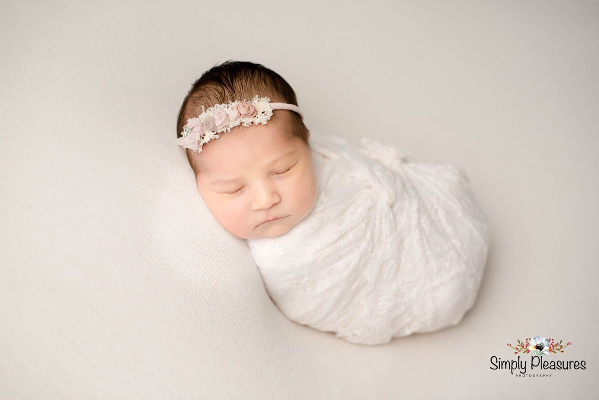 When you get to spend your Saturday doing one of the things you love most! #studiophotographer #newbornphotographer #childrenphotographer #cypressphotographystudio #cypresstexasphotography #cypresstexasphotographer #babymilestones http://simplypleasuresphotography.com  832-971-2593pic.twitter.com/iiKBET66Rg