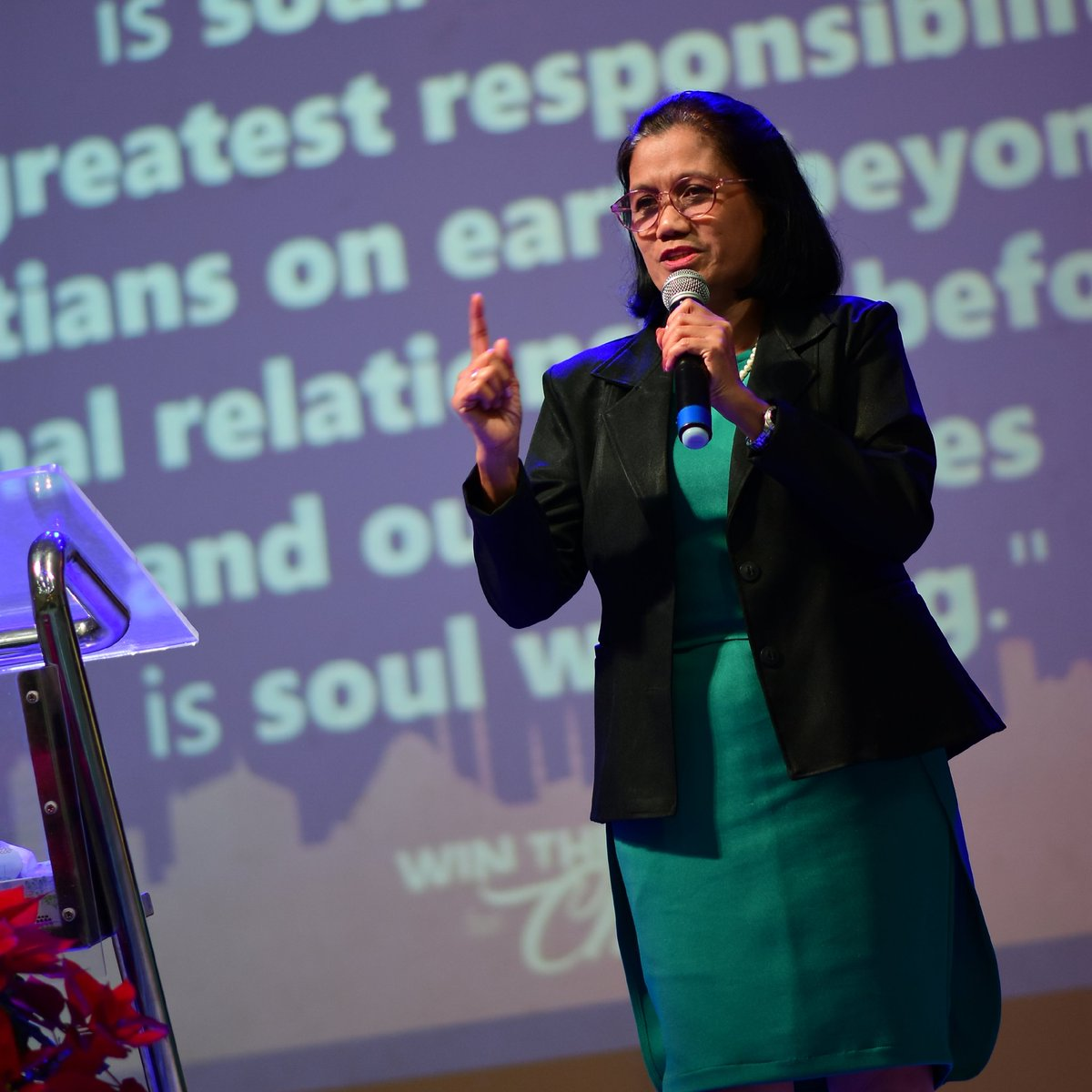 """Ptr. Jhe Buñug on Win The World for Christ: """"Maging priority natin ang soul winning dahil ito ang nagpapasaya sa puso ng Diyos. Let us not stop 'til the whole world knows that He is a great God."""" #SoulWinning #1stService<br>http://pic.twitter.com/bT0fmuzogY"""