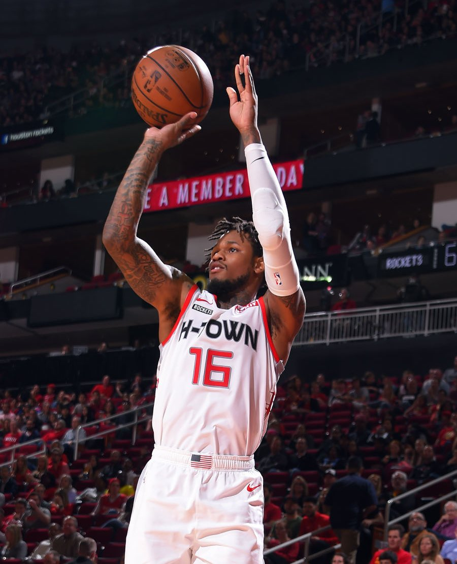 Ben McLemore last 4 games   27 PTS - 5 3PM - 67% FG (Tonight) 28 PTS - 8 3PM - 50% FG 11 PTS - 3 3PM - 44% FG 24 PTS - 6 3PM - 64% FG  Great to see him find a home in Houston  <br>http://pic.twitter.com/d8g3fDCBxW