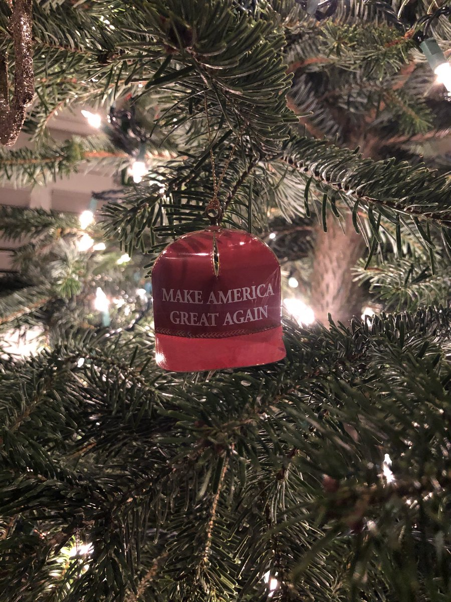 The Christmas tree is now complete. @realDonaldTrump #maga <br>http://pic.twitter.com/b6mkoaNcQn