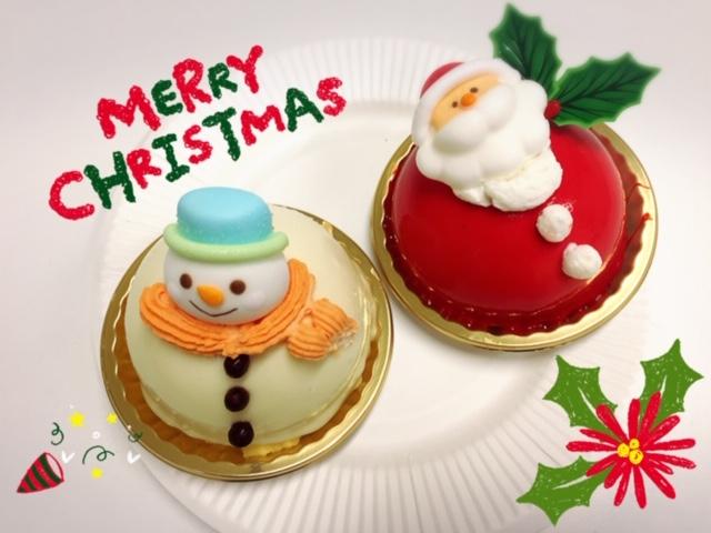 女性スタッフの鈴木です😄昨日も寒い中沢山のモデルさんにお越し頂きました😍もうすぐ #クリスマス ということでスタッフから可愛いケーキの差し入れです☺️モデルさん達にも喜んで頂けて良かったです❤️テンション上げて楽しんでいきましょうね‼️