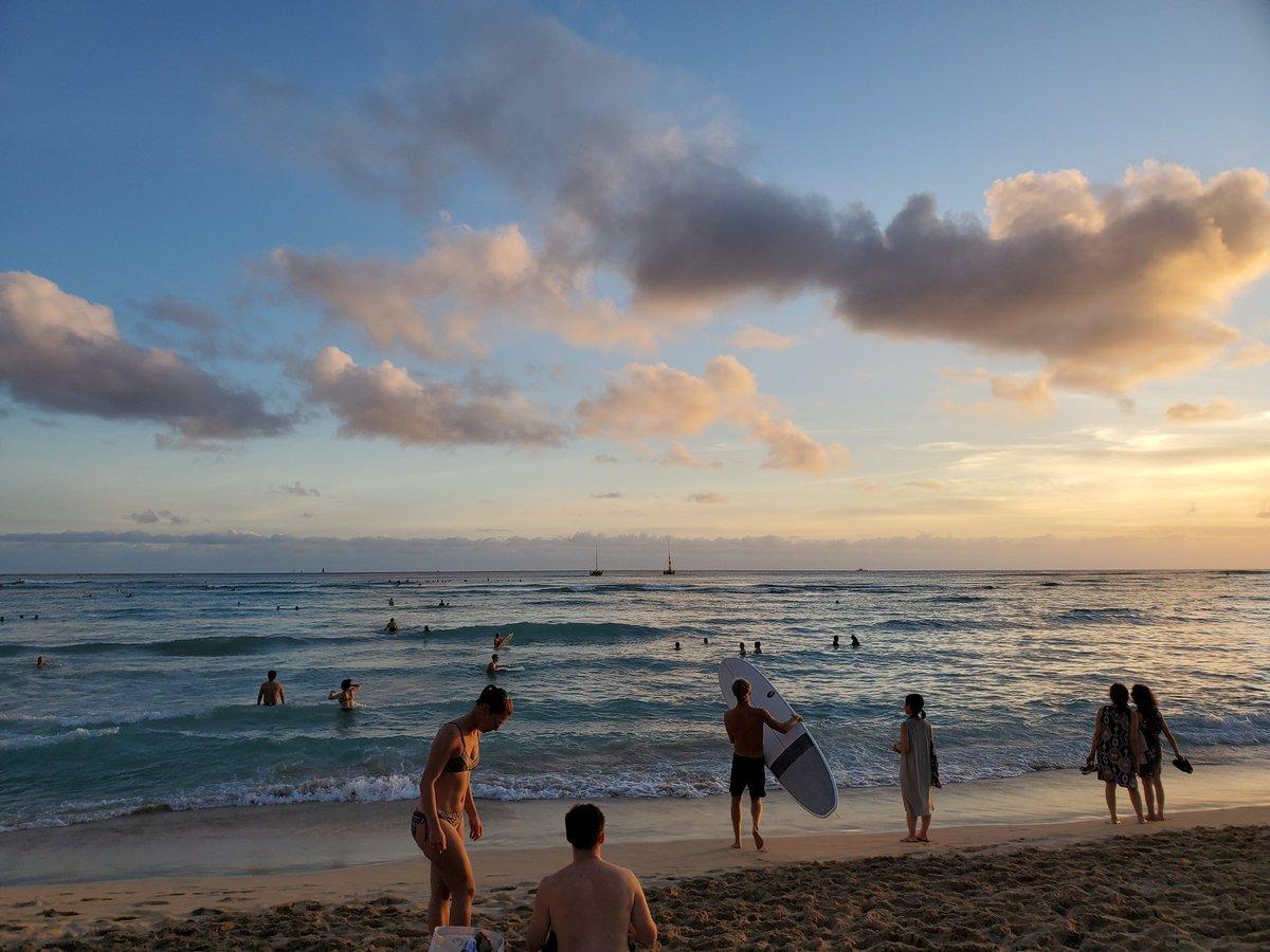 test ツイッターメディア - 初めてハワイへ! 12月は雨季なのですが、お天気にも恵まれてとても気持ちの良い日々でした。 もっと英語を習得したい気持ちと、自分の感覚を信じたいと思える旅となり10時間のグリークス後すぐに行けた事がLUCKYでした。 一番楽しかったのは、カカアコ! アートな街でした。 https://t.co/6ParU9d96M