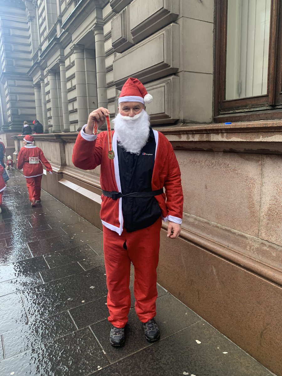 Santa Dash (Stroll) complete. Even got a medal