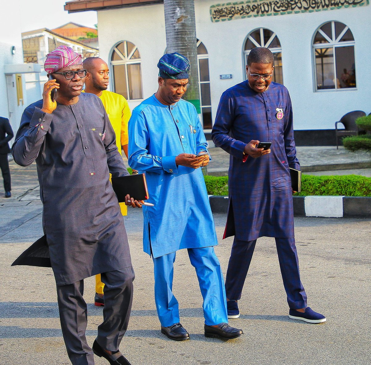 The best teamwork comes from men who are working independently towards one goal in unison. BOS KOH HMO #ForAGreaterLagos<br>http://pic.twitter.com/xrDb64bXYy