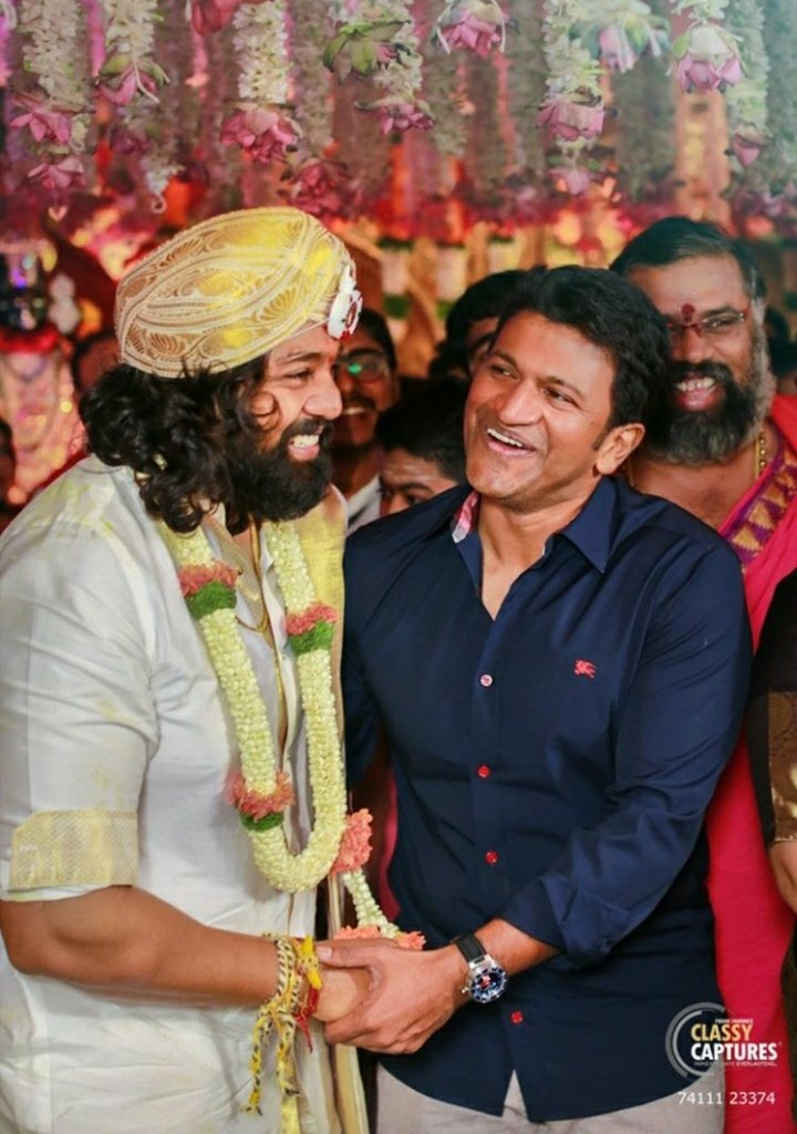 @DhruvaSarja With @PuneethRajkumar ❤️  #TheRajkumars #SmileKing #SandalwoodMrPerfect #HumblePerson #Simplicity #KannadadaRaajarathna #KalaSarvabhowma #Appu #PowerStar #PuneethRajkumar #AppuAdda