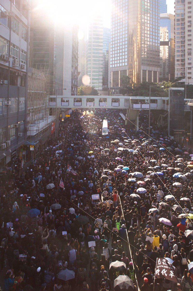 香港デモ hashtag on Twitter