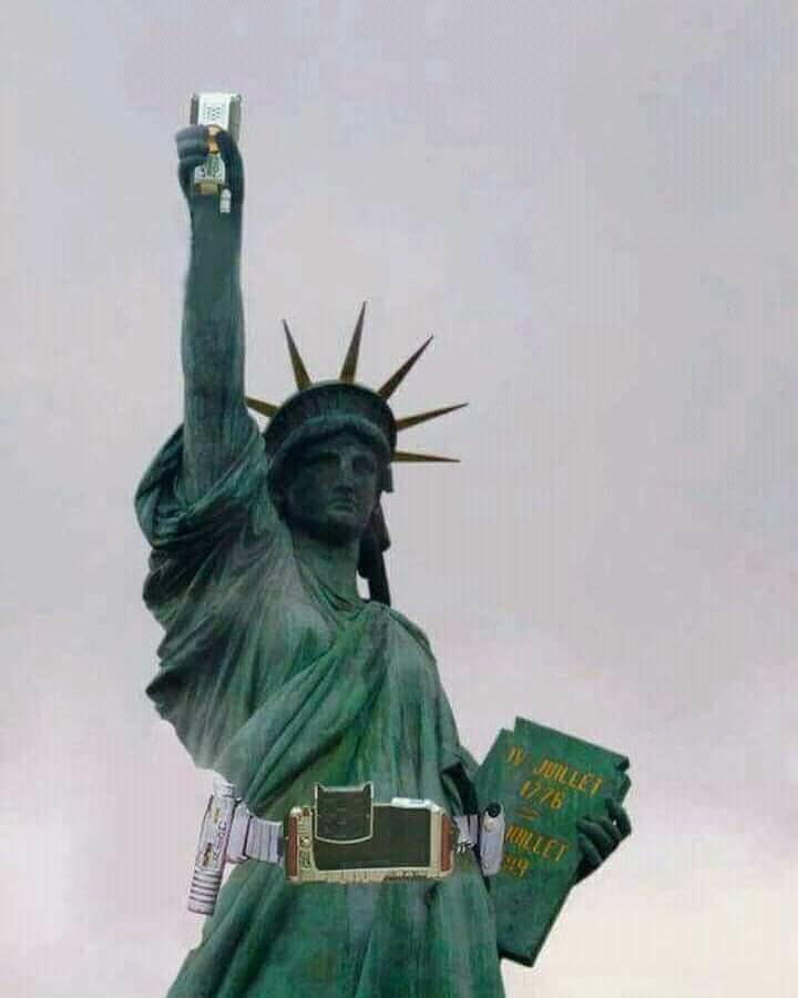 自由の女神像のコラ画像の中でこれが1番好き