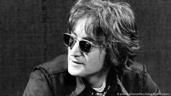 Lennon Photo