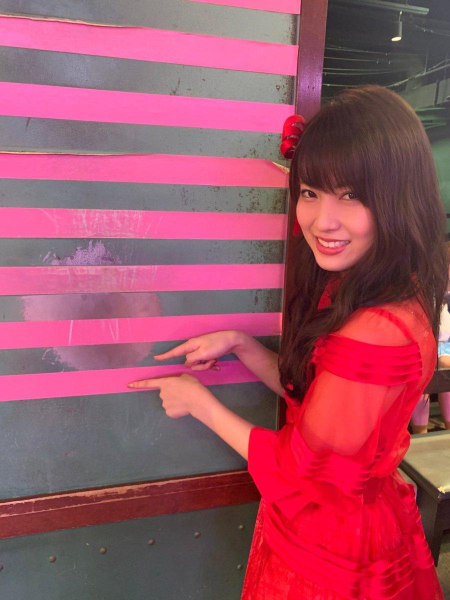 ピンクのシールを柱に貼らせてもらった🌸嬉しかったー!14本目だよ〜!