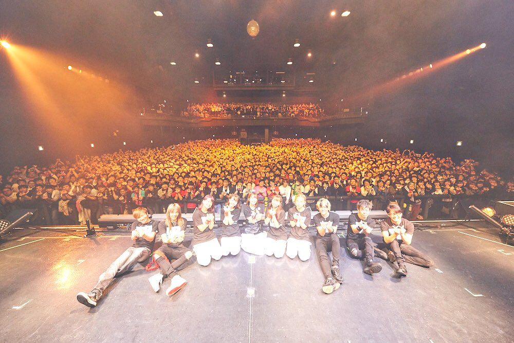 Zepp tokyo‼︎内田真礼ライブハウスツアー4公演目、東京でしたー!最高にあついっ…しあわせなじかんでした。みんなは仲間だよ。大事な仲間なの!ありがとう!大好きだよー!