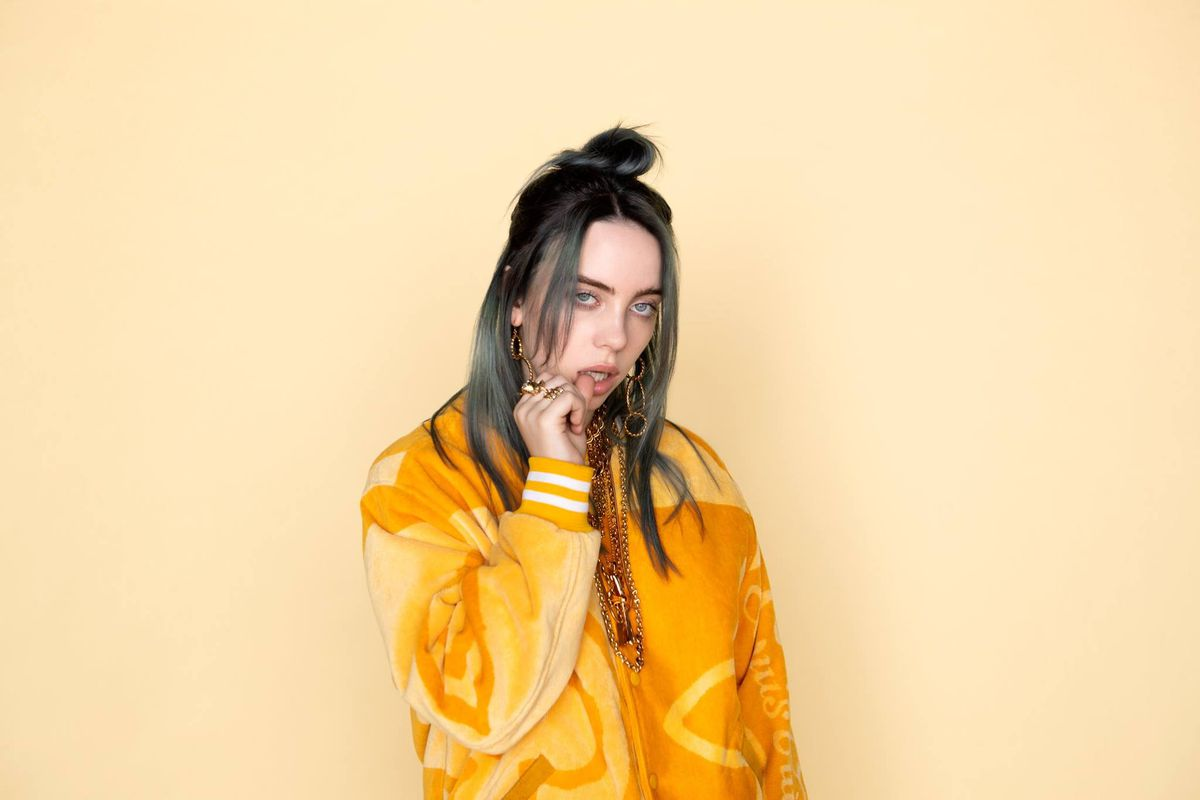 """""""Billie has no tolerance for people she's not interested in and doesn't give a shit whether you like her or not."""" - Patrick O'Connell, Billie Eilish's father <br>http://pic.twitter.com/WYI20MTJC8"""