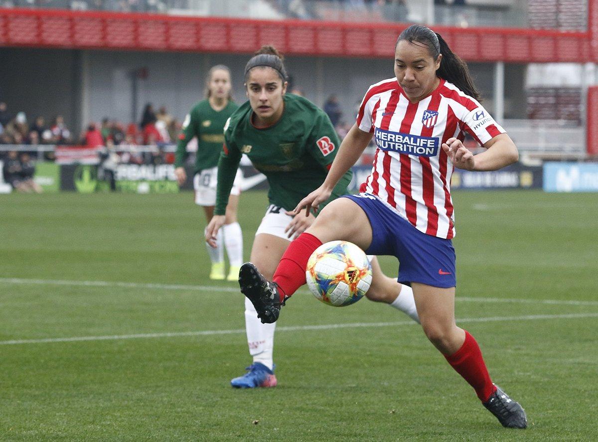 Con @KentiRobles (que jugó 53 minutos) y @CharlynCorral de titulares, las 'Colchoneras' empataron 2-2 con el #Bilbao en la #PrimeraIberdrola y se alejan a 5 puntos del líder #Barcelona #MexicanasEnEuropa