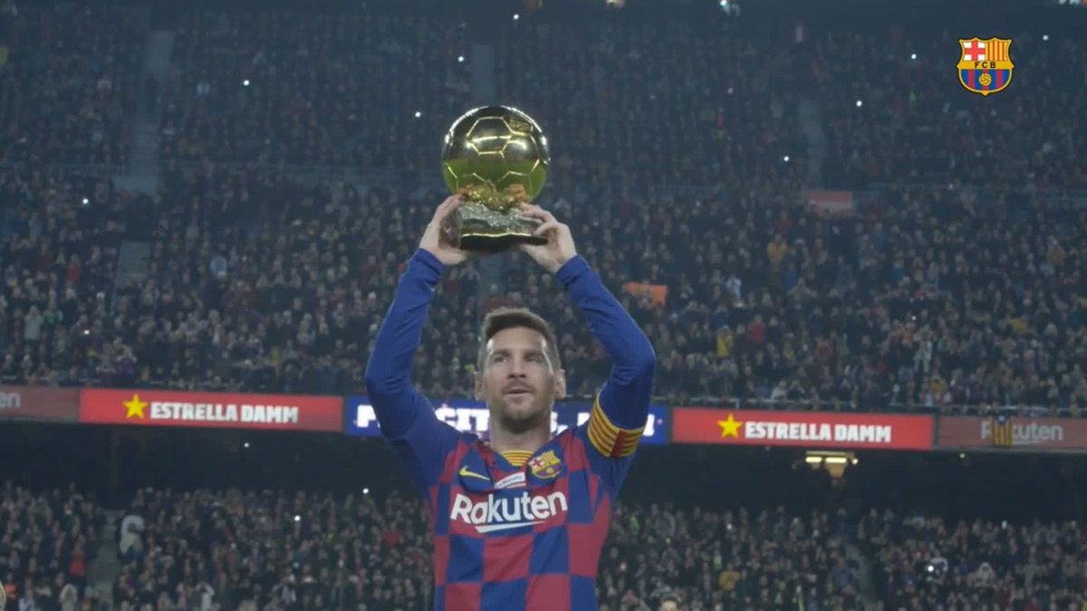😍 The Messi family presenting the Ballon dOr to the Camp Nou 🏟 📹 Full video: barca.link/qNHa50xuAa4