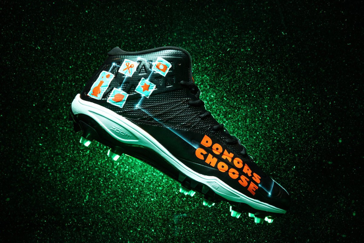@DonorsChoose  makes it easy for anyone to help a classroom in need.  Proud to support #DonorsChoose  & education for #MyCauseMyCleats  today. Cleats by @HulfishProject