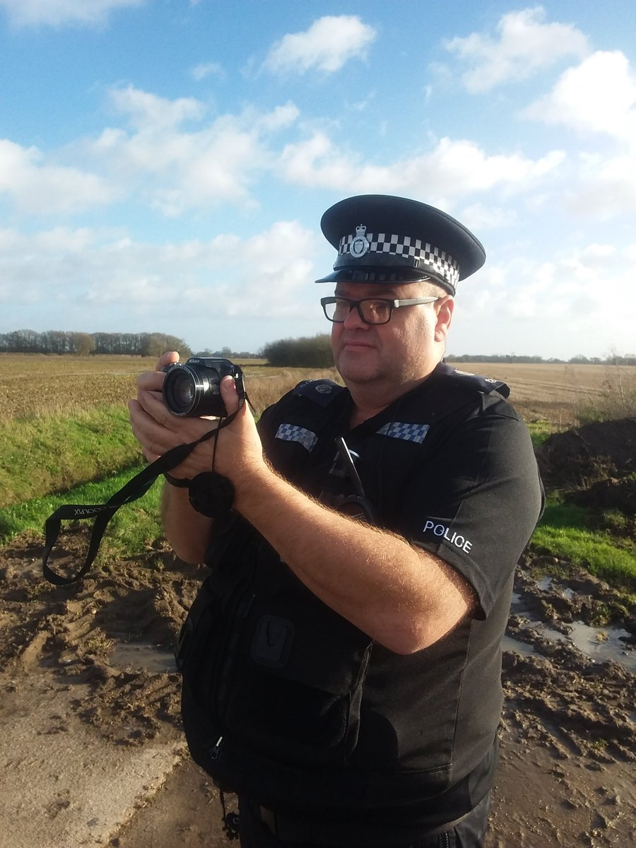 A day of high visibility patrols, targeting hare coursing and rural crime in south Norfolk #opgalileo #farmwatch<br>http://pic.twitter.com/mLdueLloWt