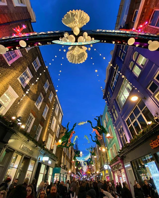 Groovy baby... the lights on Carnaby Street are really wonderful. Best I've seen in years. #London #CarnabyStreet https://t.co/czGmLwQYGm