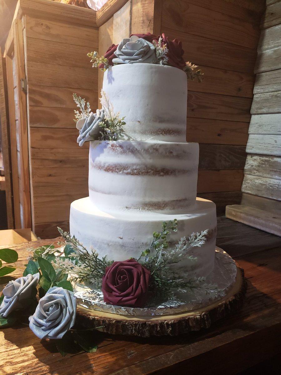 Loved my wedding cake from last night #SelfCareSaturday <br>http://pic.twitter.com/iwAJBH81yx
