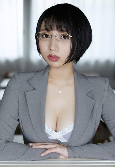 グラビアアイドル安位薫のTwitter自撮りエロ画像25