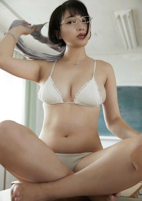グラビアアイドル安位薫のTwitter自撮りエロ画像28