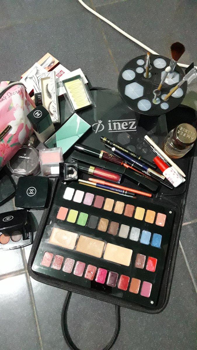 Make Over u... Mau k resepsi ribet? G' bisa dandan? #cantikalami #makeupprofesioanal #makeupartis Kami datang bila Anda butuhkanpic.twitter.com/0BwfdBsftk