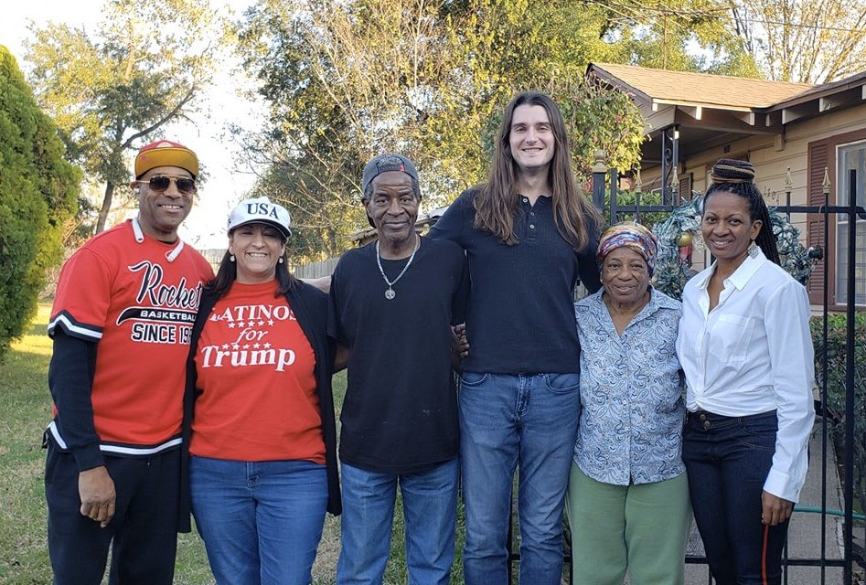 Yesterday, we picked up 20 tons of trash from the streets of Houston.   Miss Delaney, an 83-year-old, 5 foot tall grandmother, heard what we were doing & gave me the biggest hug.   The neighbors said they've never seen anything like our cleanup.  #SundayMorning <br>http://pic.twitter.com/JL3fUX66Tg