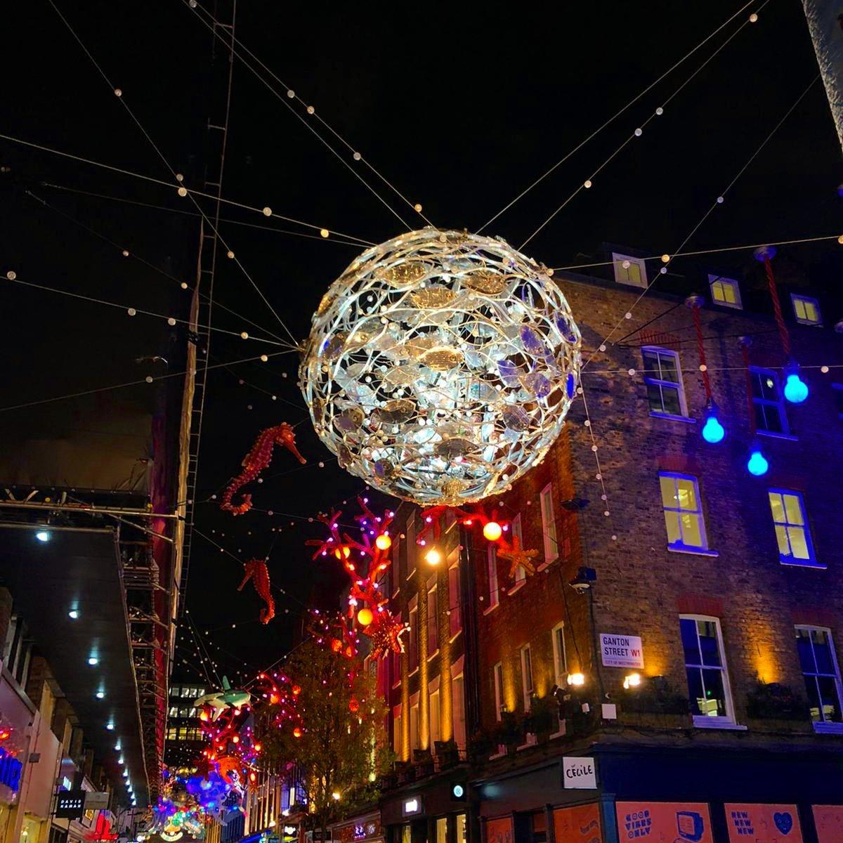 Christmas on Carnaby Street🎅 Happy Sunday! #christmas #carnabystreet #london https://t.co/XpwePmmBPI