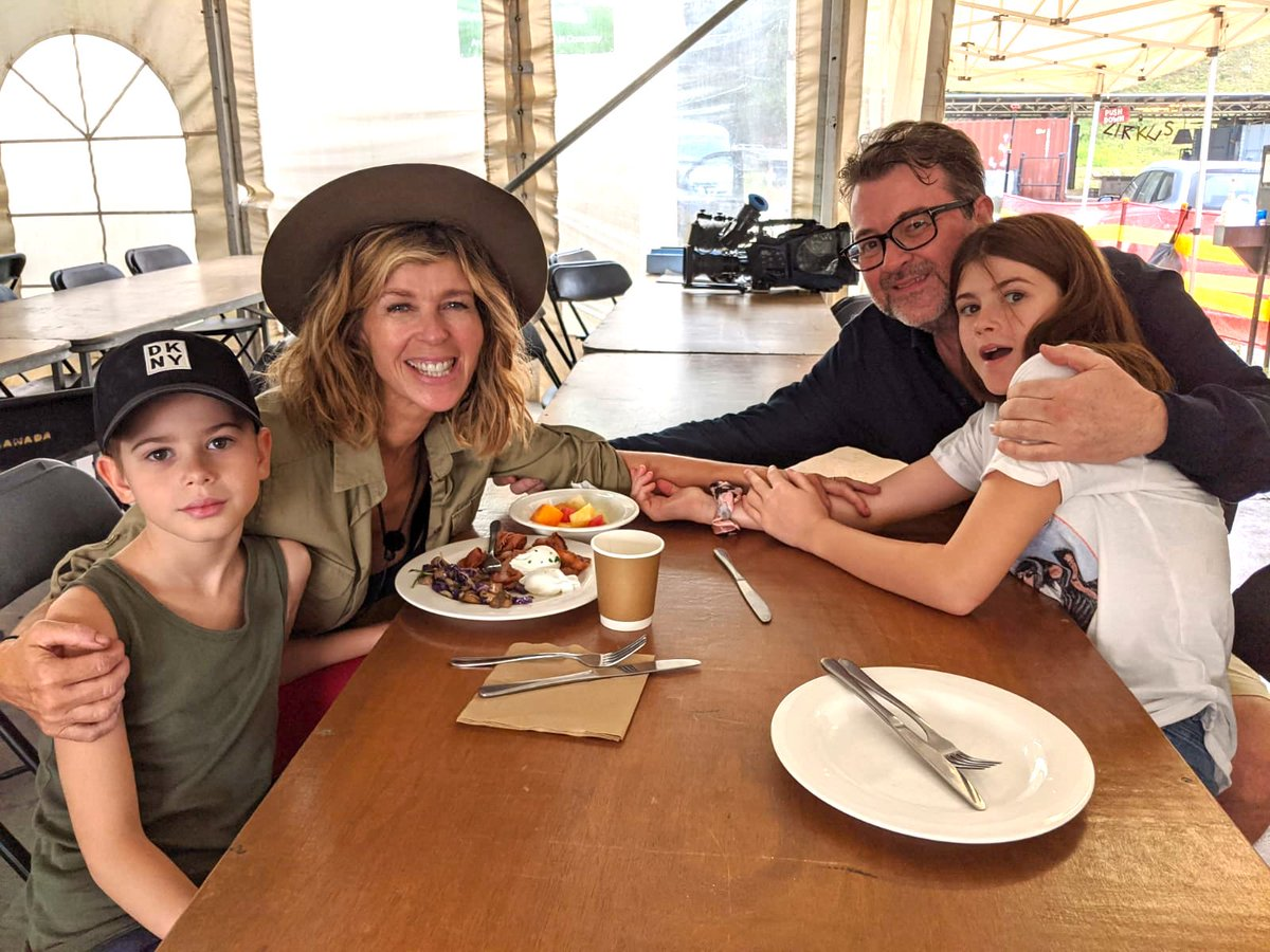 All the family back together again!   First meal outside of camp...   #ImACelebFinal  #ImACeleb  #ImACelebrity  #TeamKate #KateGarraway<br>http://pic.twitter.com/LY7aNLQizK