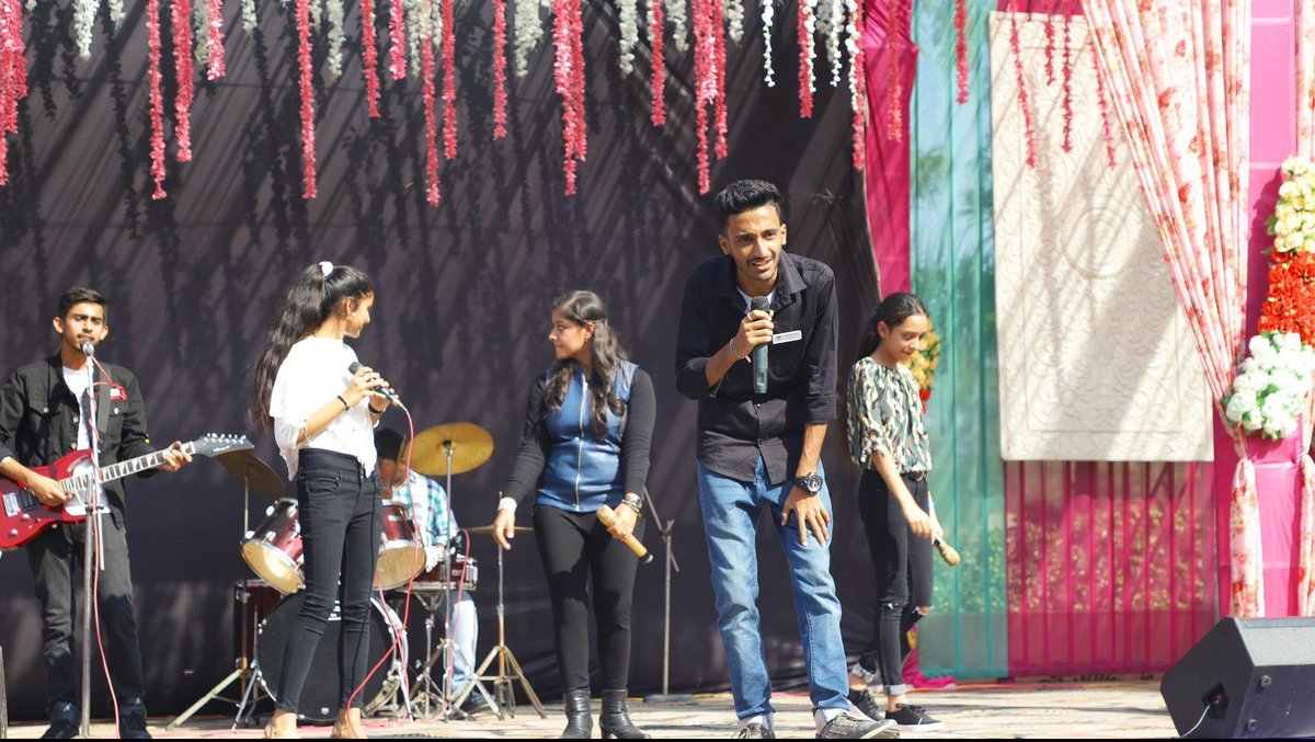 Rock The Stage  #India #IndianIdol #boycottpanipat #singer #performer #instagood #beautiful #tbt #MondayMood #MondayMotivation #SundayMorning #8Yearsof5SOS #BREAKING