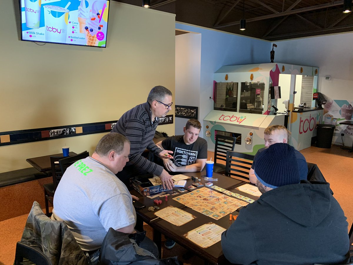 Moose Jaw Sunday Funday starting soon! Come on down to Taco time CantinaORDER some great food and meet us in the back TCBY room! @TacoTime @TCBY #boardgames #fundaysunday #gaming4good