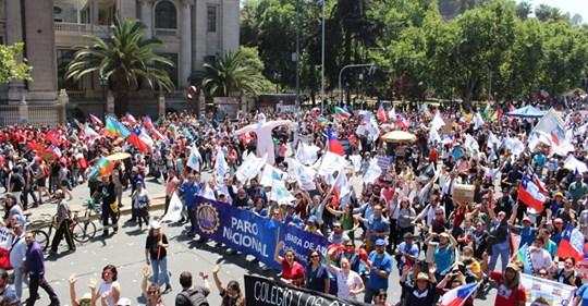 🇨🇱📢➡️@anefchile anuncia #ParoNacional para el #martes 10 y deberá ser ratificado este #lunes 📢Los detalles revísalos acá➡️http://ow.ly/FTSu30q01zA