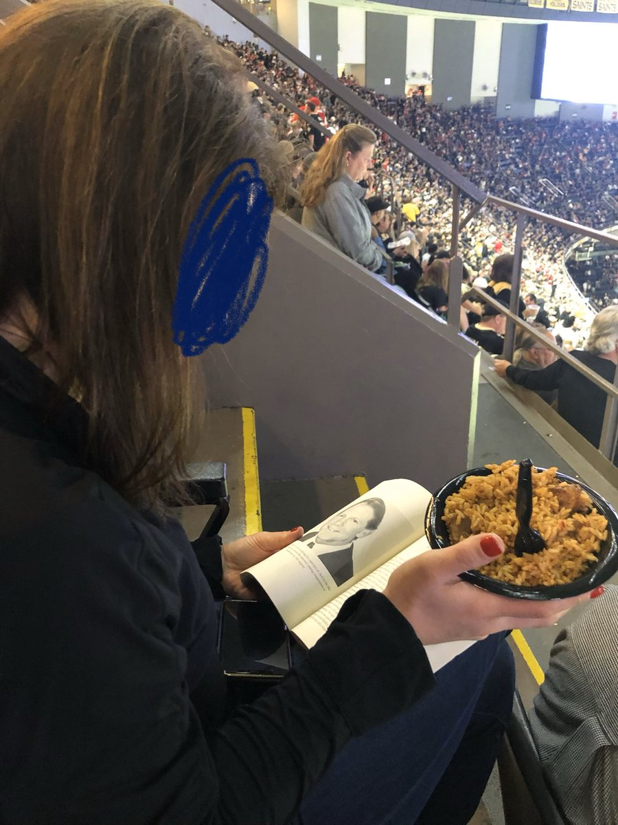 No big deal, just multi-tasking I guess #SFvsNO #geauxsaints <br>http://pic.twitter.com/ERsoLpGBwp