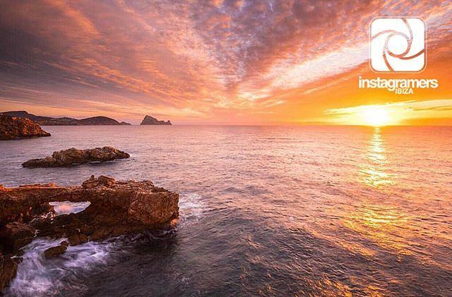 / igerseivissa _ _ _ _ _ _ _ _ _ _ _ _ _ _ _ ⊕ INSTAGRAMERS IBIZA present/a ⊙ #fotodelasemana | #picoftheweek _ _ _ _ _ _ _ _ _ _ _ _ _ _ _ ⊕  Autor: @pez_fotografia ⊙  Felicidades!! | Congrats!! Te invitamos a visitar esta galería We invite yo… https://ift.tt/2LCenJtpic.twitter.com/kMVZwdaOxV