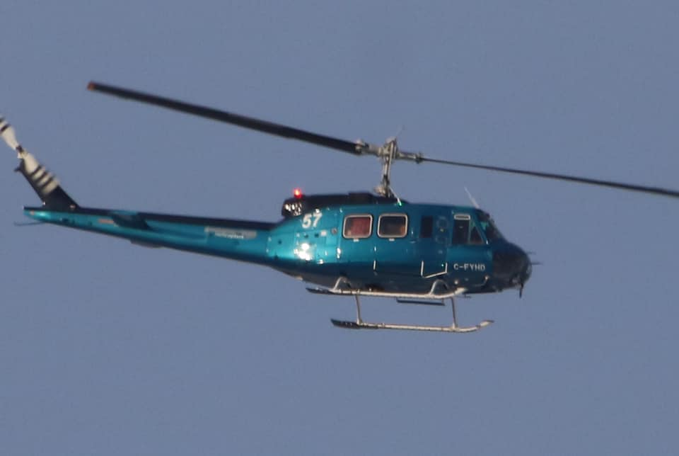 The @Unifor594 picket lines are rock-solid. @CoopRefinery is forced to pay top-dollar to fly in scabs by helicopter. #skpoli #canlab <br>http://pic.twitter.com/pOEmG05UUR