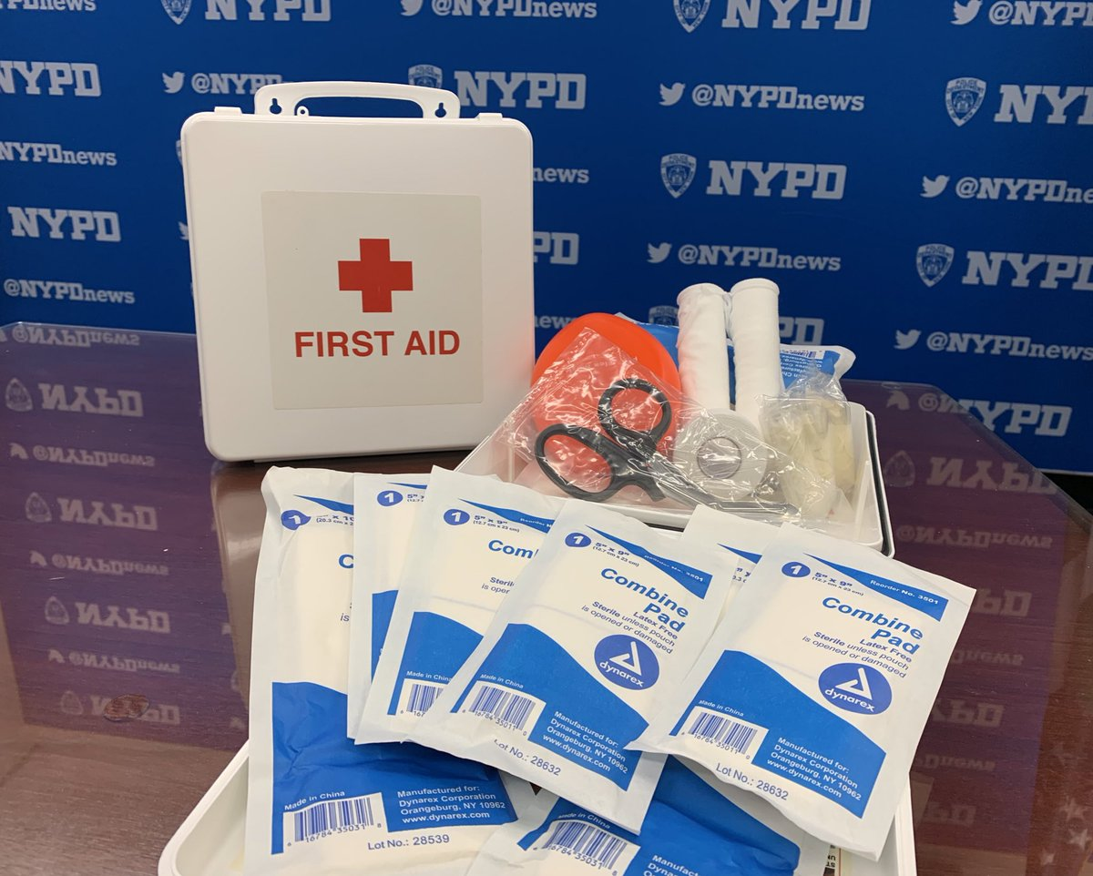 After responding to a stabbing, the training of @NYPD115pct cops kicked in. They quickly assessed the victim, found hidden wounds, & treated them using their first aid kits. Doctors say their actions saved his life.  Simultaneously, other officers took the suspect into custody.